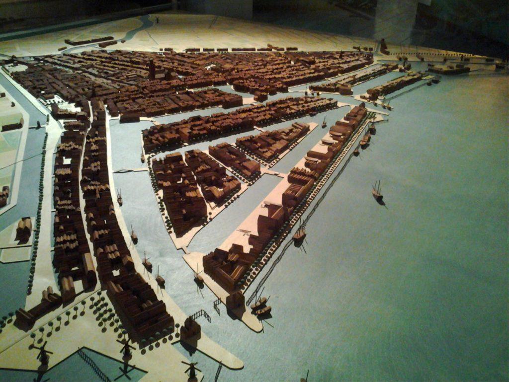 Rotterdam in de gouden eeuw. Architectuur biënnale Rotterdam -2004